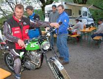Thomas Planyavsky mit seinem Kawasaki Eigenbau