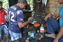 En el taller mecánico