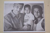 Antonio, su nieto y su hijo.