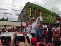Ex-presidente Celaya con su esposa, candidata a las próximas elecciones.