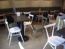 アーコールスタッキングチェアin Cafe