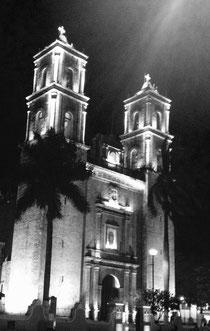 Kathedrale des San Gervasio in Valladolid - Besonders schön am Abend