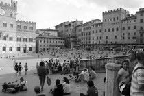 Reichlich was los auf der Piazza