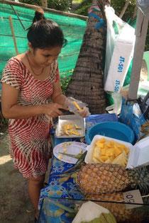 Frische Mango und Ananas ... Yummi :-)