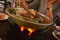 """""""Sindad"""" - Traditionelles Laotisches BBQ - Eine Mischung aus Grillen und Hot Pot"""
