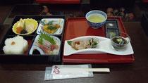 このあと、天ぷらとサツマイモ入りブリンがでてきました^^