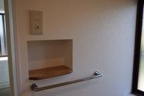 浴室入口から手の届くところがベスト!