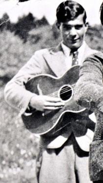 Anton Reinhardt, Mitte oder zweite Hälfte der 30er-Jahre, sein Vater, sein Onkel und er haben vom Musikmachen gelebt. Foto privat, alle Rechte vorbehalten!