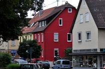 Schwägerin Anna Frank, die Schwester von Frieda Herrmann, wohnte schräg gegenüber in der Katharinenstraße (Erdgeschoss des roten Hauses), Foto: Manuel Werner, alle Rechte vorbehalten!