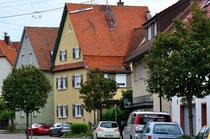 Das Haus Schafstraße 22 (gelb, Bildmitte), in dem Schwager Josef Herrmann und Schwester Frieda Herrmann geb. Herzer wohnten, lag schräg gegenüber. Foto: Manuel Werner, alle Rechte vorbehalten!