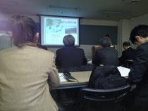 日本青年館の会議室は満席