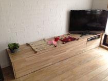 ナラ積層材のベンチ兼TVボード