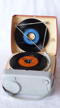 Metz Babyphon 102 MW-Radio u. Singleplattenspieler Bj. 1959-1960