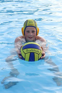 U13-Wasserball: Vincent Hatwig wurde mit Cuxhaven Vizemeister