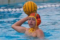 Adrian Oestreich (Foto) ist beim BSC als Schwimmer und Wasserballer aktiv. Seine Wassersportkarriere begann der 17-Jährige beim TVV Neu Wulmstorf.