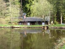 Angeln im hauseigenen Teich auf dem Ferienhof Hendlmühle