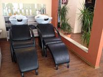 Friseur im Pavillon Haarwaschbereich separat zum Wohlfühlen