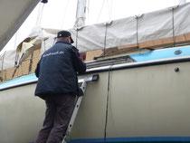 Die Segelyacht von Pete Petterson bekommt nach 36 Jahren neue Fenster