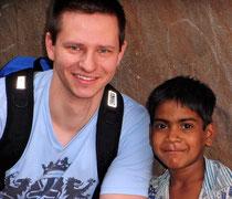 A. Zangl mit indischen Patenkind