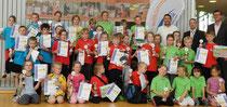 Die besten Low-T-Ball-Spieler in Meckenbeuren stehen fest Die Sieger, Zweit- und Drittplatzierten beim GenoBank-Grundschulen-Cup 2014