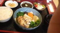 琉球 テビチ定食