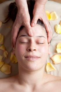 liebevolle Kopfmassage