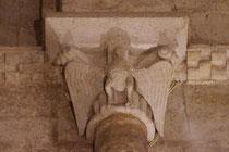 Aigle aux ailes déployées, représentant Saint Jean