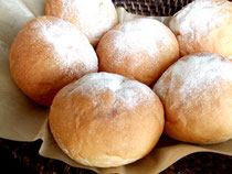 給食パン 262円