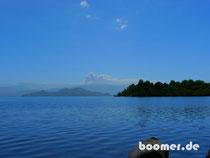 Vom Seeufer der Blick auf den Puyehue