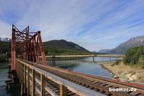Carcross - hier kreuzen die Cariboos den Fluss