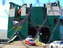 Entladung vom RoRo Schiff
