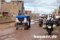 Peru's Straßen zur Regenzeit
