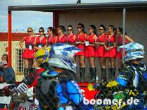 Die Grid-Girls an der Startlinie
