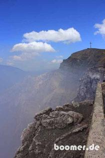 Der Weg zum Gipfelkreuz war gesperrt - zu aktiv ist der Massaya