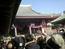 浅草寺境内