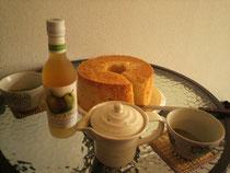 ワインとシフォンケーキ