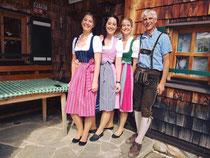 Ernst Meschik und Töchter