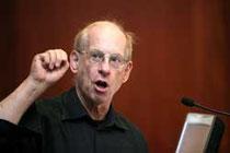 Stephen Krashen bei Vortrag 2010