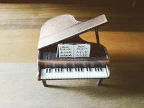 ピアノ型えんぴつ削り