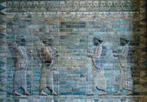 Panneau des archers du palais de Darius Frise des archers du palais de Darius à Suse (Iran) (510 av. J.C.), Conservée au Musée du Louvre (M-L Nguyen, 2007)