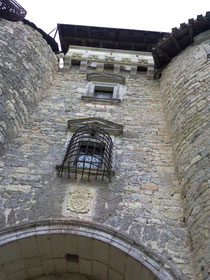 Château de Mauriac - www.region-midipyrenees.com © copyright Joël BLANCHOT