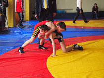 Сагієв Сергій атакує суперника