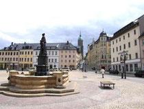Marktplatz in Annaberg, im Hintergrund die Annenkirche