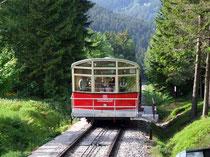 Die Bergbahn bei Oberweißbach ist die steilste Bergbahn der Welt und bietet einen herrlichen Blick ins Schwarzatal