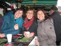 3 de nos sopranos en fête autour d'un vin chaud : Anne, Françoise & Béatrice