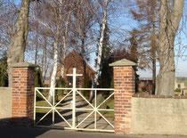 Friedhofstor in Mehna