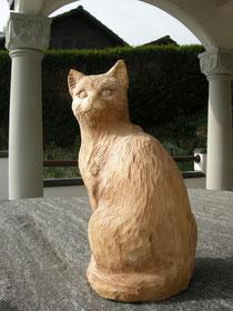 Katzenschnitzerei Holzkatze Holschnitzkunst