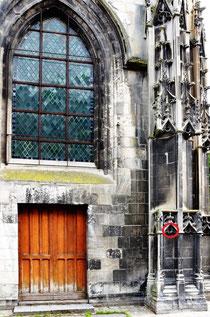 Portail de l'église Saint-Leu