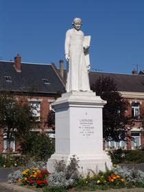 Chaulnes- Statue de Lhomond-