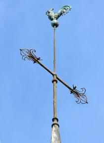 La croix du clocher de Bouillancourt-en-Séry